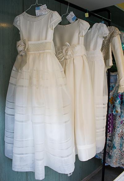 Limpiar Vestido de Comunión en Valencia en tu Tintorería y Lavandería LavaExpres_03