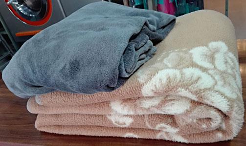 Limpiar Manta en Valencia en tu Tintorería y Lavandería LavaExpres